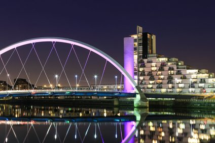 Glasgow bridge night
