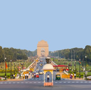 view on Rajpath boulevard to India gate